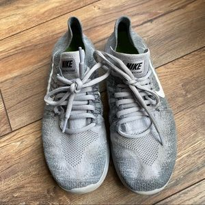 {preloved} Gray Nike Free Run Fly Knit Sneakers